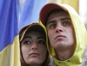 Опрос: Украинцы - одна из наиболее политизированных наций