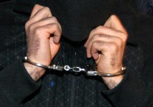 Запорожский милиционер приковал двух задержанных на ночь к газопроводу