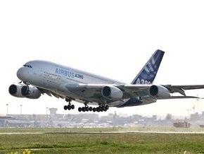 Крупнейший в мире пассажирский самолет впервые совершил рейс в Россию
