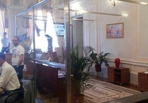Власенко: Проведение судмедэкспертизы Тимошенко абсурдно и беспрецедентно