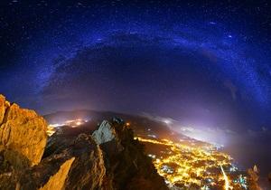 Волшебный Крым. Фото ночного Симеиза вошло в тридцатку самых красивых снимков мира