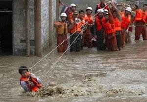 Жертвами проливных дождей в КНР стали 36 человек