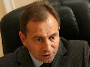 Томенко критикует Ющенко за призыв о тотальном сносе коммунистических памятников