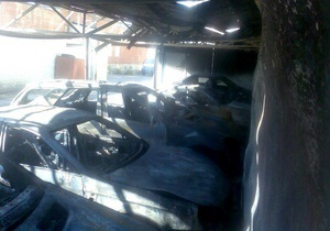 В Харькове на автостоянке прогремел взрыв: сгорели 11 автомобилей