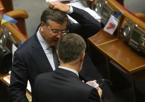 Гриценко: Януковичу нужно закрыть рты Табачнику и Семиноженко