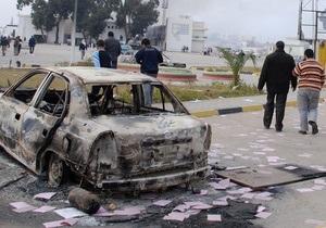 Очевидец: В Триполи пустые улицы, но аэропорт переполнен
