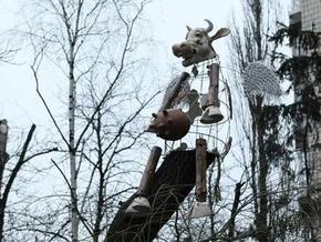 В центре Киева приземлилась летающая корова
