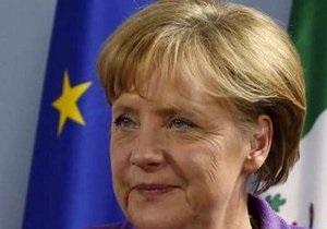 Помощь Греции является единственным способом обеспечить стабильность евро – Меркель