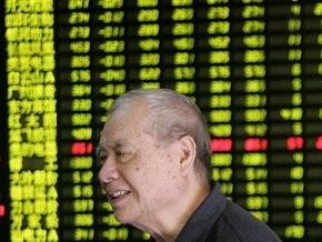 Рынки: Акции попали под давление