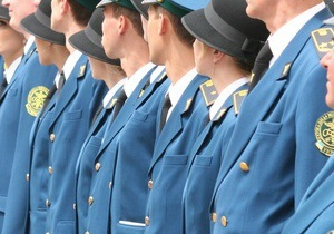Гостаможня уволила 55 причастных к контрабанде сотрудников Львовской таможни