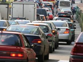 В Киеве ограничили движение по шести улицам и Южному мосту