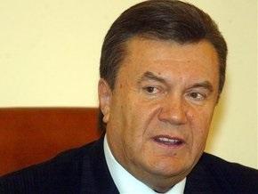Янукович заявил, что нардепам, не поддержавшим повышение зарплат, пообещали  хлебные места