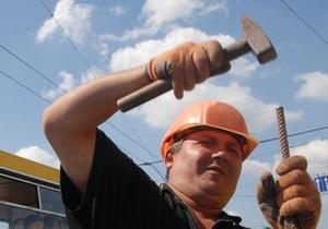 Киевские власти планируют потратить 97 млн гривен на ремонт придомовых дорог