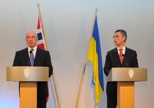 Азаров - премьеру Норвегии: Тимошенко осуждена не за политические взгляды
