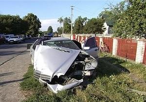 новости Ивано-Франковска - Пьяный милиционер сбил электроопору линии передач в Ивано-Франковской области