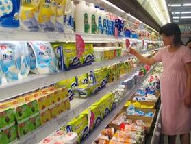 Новый скандал в  Китае: меламиносодержащее молоко снова появилось на прилавках магазинов