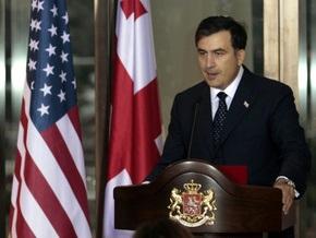 Саакашвили вручил послу США высшую государственную награду Грузии