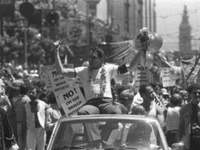 Шварценеггер учредил праздник в честь первого политика-гея