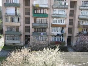 В Черновцах беременную женщину-самоубийцу спасли бельевые веревки