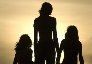 Фотогалерея: Дотянуться до небес. В Бразилии живет двухметровая девочка