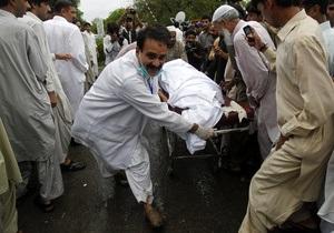 Опознаны останки 46 человек, погибших в авиакатастрофе в Пакистане