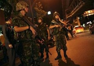 Армия Таиланда окружает баррикады оппозиции в Бангкоке