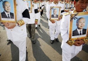 В Камбодже спустя три месяца после смерти хоронят короля Нородома Сианука