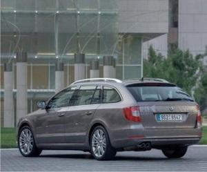 Skoda Superb Combi уже в продаже в автосалоне  Авторейдинг-Центр