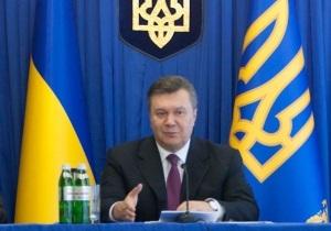 Янукович: Если меня критикуют, я должен кому-то передать эту эстафету