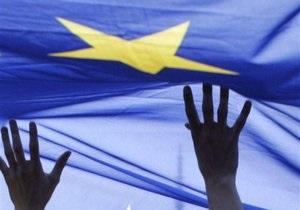 Опрос: 76,3% украинцев выступают за безвизовый режим с ЕС