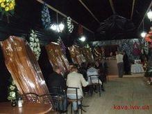 В Трускавце разгорается скандал вокруг необычного гроб-бара