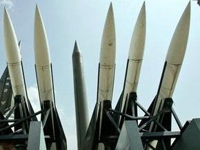 СМИ: КНДР выпустила две ракеты по американским самолетам-разведчикам