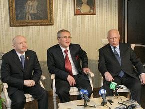СМИ: Черновецкий угощал Черномырдина в ресторане, где оливье стоит 105 гривен
