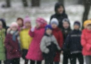 Детям в Беларуси запретили гулять по ночам
