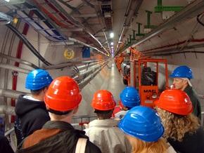 Большой адронный коллайдер не будет работать до следующего года