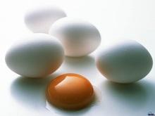В Крыму хотели реализовать тысячи просроченных яиц