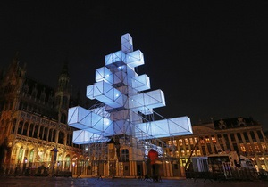 Бельгийцы выйдут на митинг с требованием заменить электронную елку на обычную