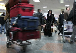 Несмотря на снегопады, киевские аэропорты работают в штатном режиме