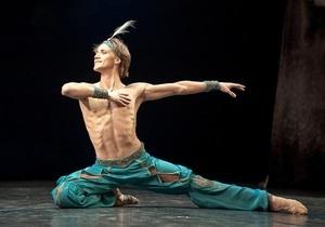 Азаров пообещал разобраться в ситуации с увольнением худрука балета Нацоперы