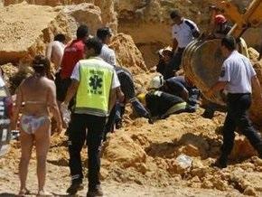 На одном из португальских курортов пять человек погибли под обломками скалы