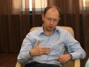 Яценюк признался, сколько потратил на размещение билбордов по всей стране