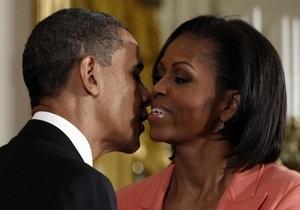 Семья Обамы заработала в 2010 году меньше, чем в 2009