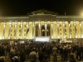 Грузинские депутаты впервые за два месяца проведут заседание в Тбилиси