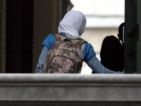 Во Франции вступил в силу закон о запрете хиджаба