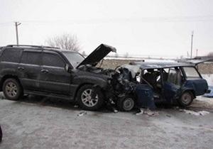 В Хмельницкой области Lexus столкнулся с Ладой: трое погибших