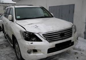 Меладзе сбил женщину - Автомобиль Меладзе после ДТП