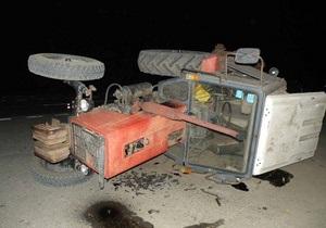 В Николаевской области трактор столкнулся с BMW: погибла пассажирка автомобиля