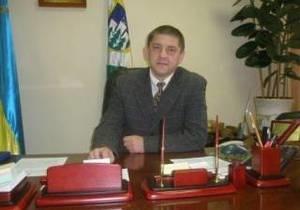 В Ровненской области народные депутаты вместе с милицией заставили мэра покинуть его кабинет
