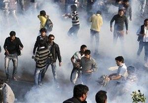 В Индии акция протеста переросла в столкновения с полицией