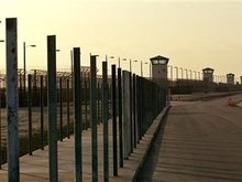 В тюрьмах США содержат четверть заключенных планеты